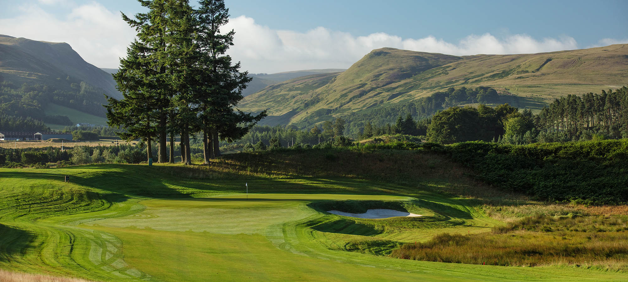 http://View%20towards%20the%20Glendevon%20and%20Ochil%20hills%20from%20the%201st%20tee%20on%20the%20PGA