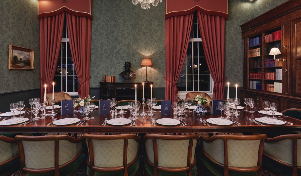 the broadcasting room at Gleneagles set out for a candlelit dinner